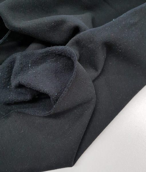 Pašiltintas, vidutinio storumo trikotažas Juodas