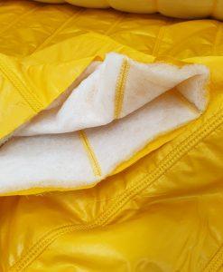 Dygsniuotas vienpusis striukinis audinys Geltonas