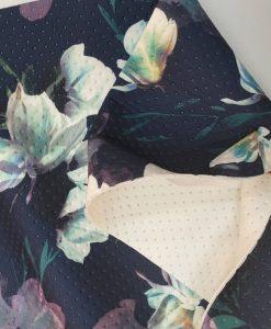 Faktūrinis / Dygsniuotas neoprenas Melsvos gėlės