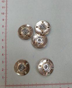 Prisiuvamos metalinės spaudės aukso spalvos, 21 mm